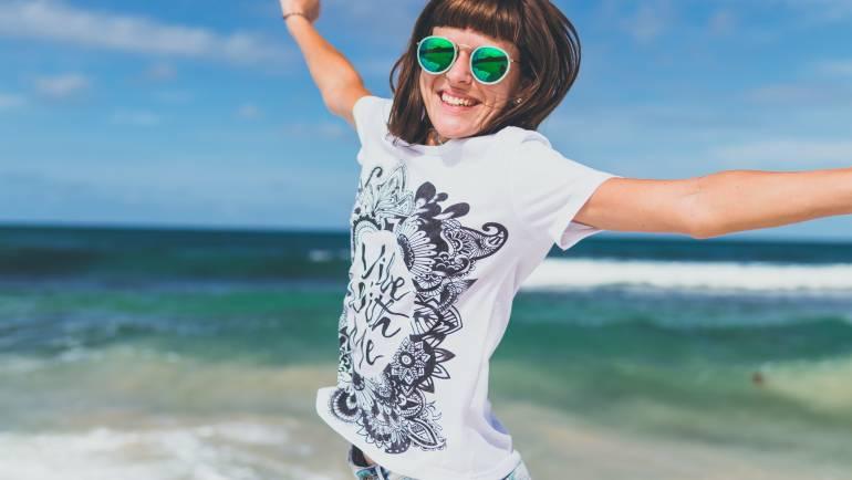 Consejos básicos para elegir unas buenas gafas de sol para la playa